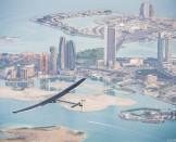 Premier vol test sur #Si2 à Abu Dhabi   Solar Impulse   Revillard   Rezo.ch