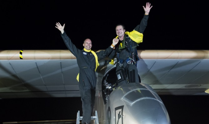 Across America 2013:Final leg from Washington DC. to New-York City. A. Borschberg and B. Piccard just after the successful landing © Solar Impulse |Merz| Rezo.ch