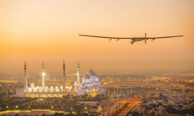 First ever #Si2 test flight in Abu Dhabi | Solar Impulse | Revillard | Rezo.ch