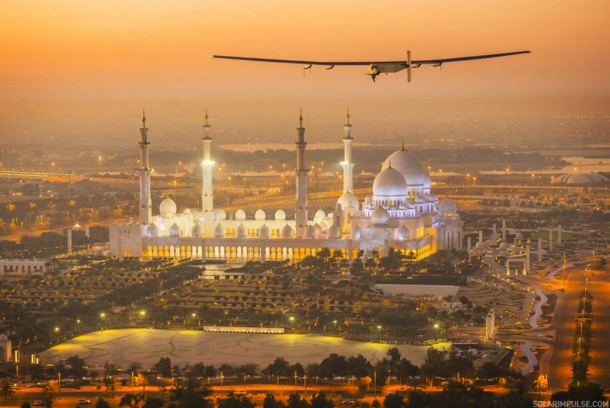 http://info.solarimpulse.com/uploads/thumbs/860x576/2015_02_26_Solar_Impulse_2_RTW_First_Test_Flight_AbuDhabi_Revillard__09.jpg