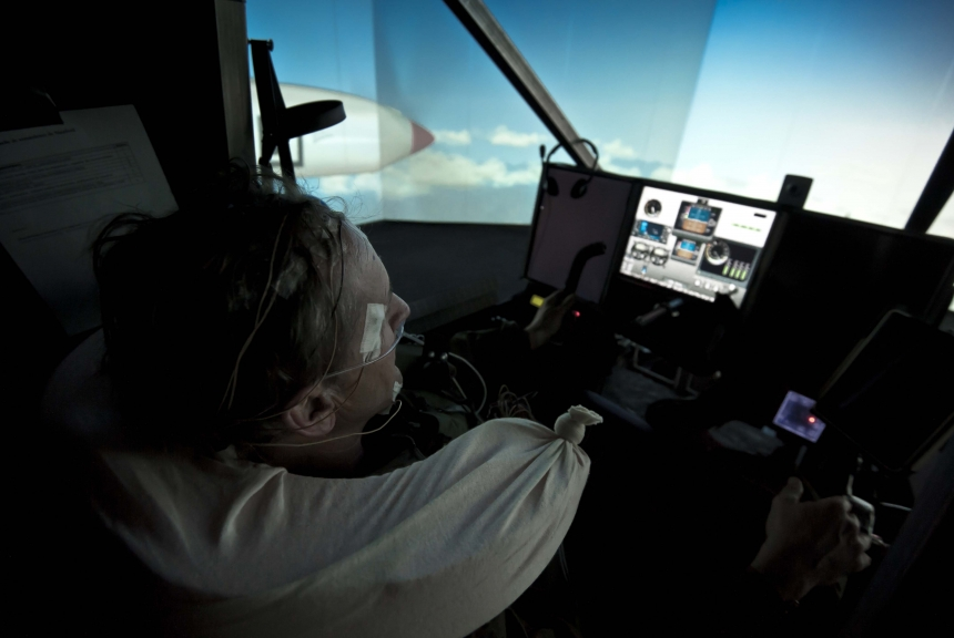 Preparation before take-off, Dübendorf - February 2012, 72 hours Simulation Flight